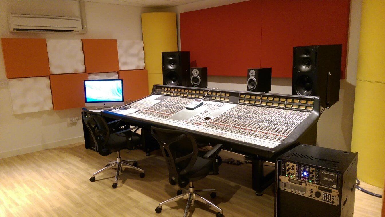 recording studio with jocavi wall traps, harmix diffusors BAD panels and jocavi round bass corners installed