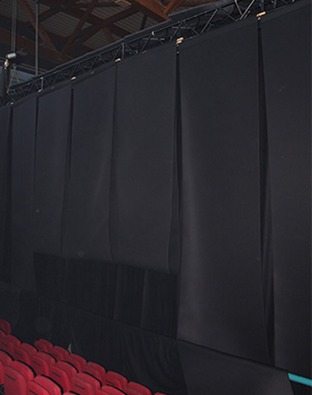 basmel acoustic curtains installed on lighting rig